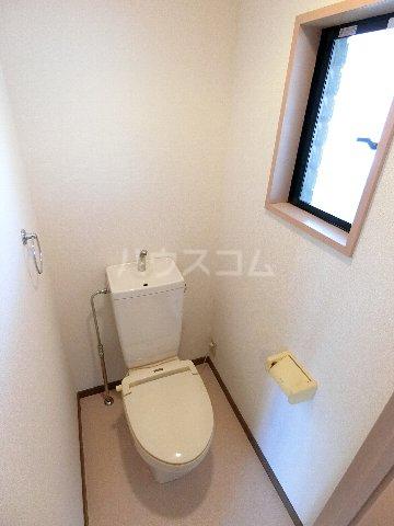 ルミエール原田 102号室のトイレ