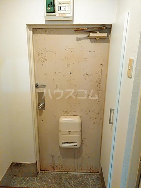 パンシオン厚木 102号室の玄関