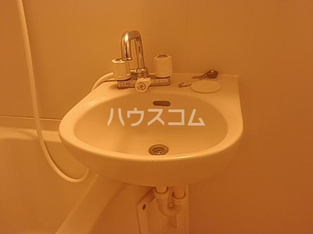 アーバン高宮 108号室の洗面所
