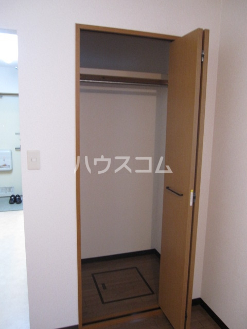 アーバン高宮 201号室の収納