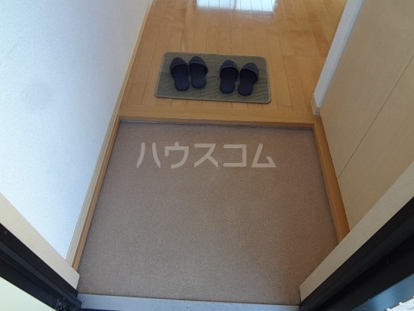 エスポワール五本木 201号室の玄関
