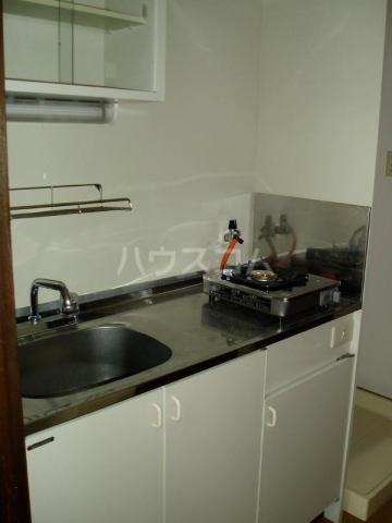 アートイン原田 202号室のキッチン