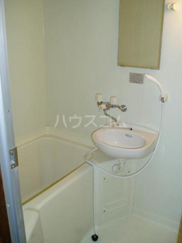 アートイン原田 202号室の風呂