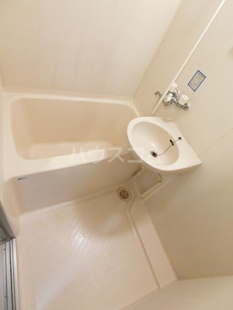 第5マルヤビル原田 302号室の風呂
