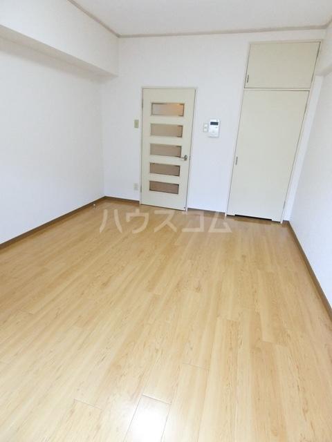 第5マルヤビル原田 302号室のベッドルーム