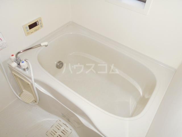 ソレイユD 101号室の風呂