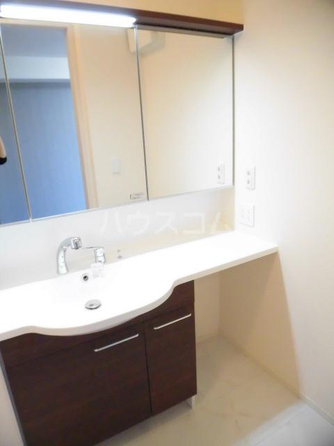 メルベーユK 103号室の洗面所