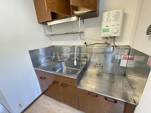 奥沢コーポラス 205号室の居室