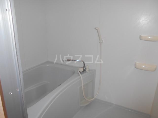 ペルシュワール 101号室の風呂