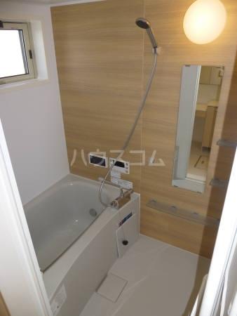 コンフォール 202号室の風呂