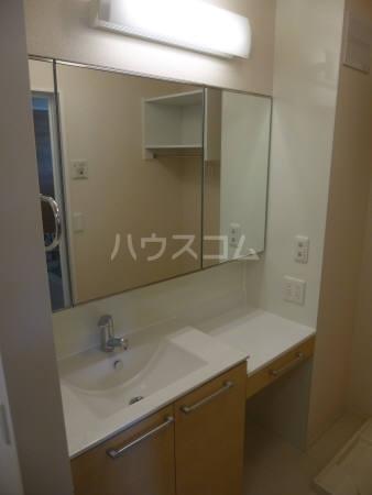 コンフォール 202号室の洗面所