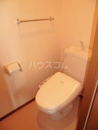 ヴィラージュ・ガーデンA 103号室のトイレ