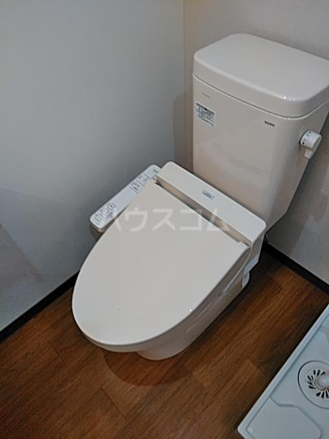 アースクエイク名港のトイレ