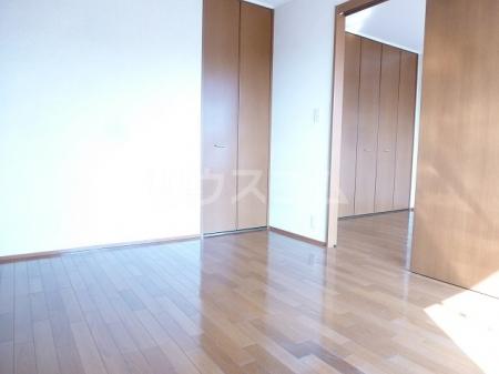 エルパティオ須長Ⅱ 202号室の居室