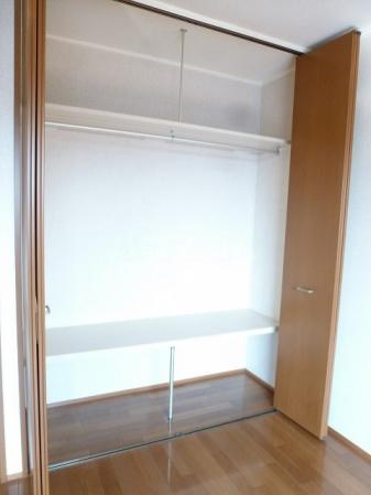 エルパティオ須長Ⅱ 202号室の収納