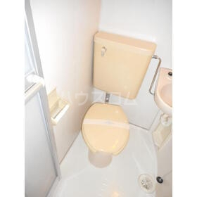 ユトリロ平川本町 206号室のトイレ