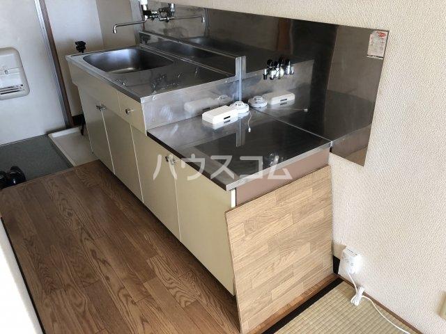 セントラルプラザ 201号室のキッチン