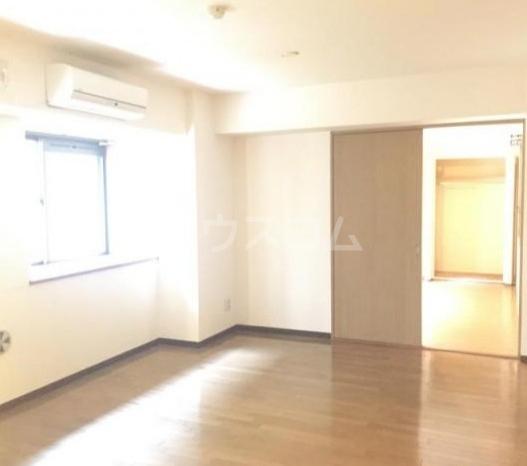 コア・シティ新横浜 101号室のリビング