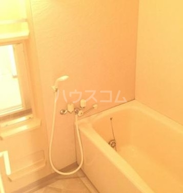 コア・シティ新横浜 101号室の風呂