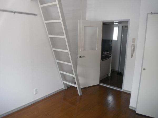 リバティ中浦和A棟 203号室のベッドルーム