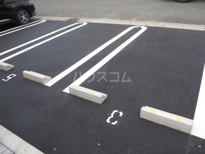 Forest Villa 201号室の駐車場