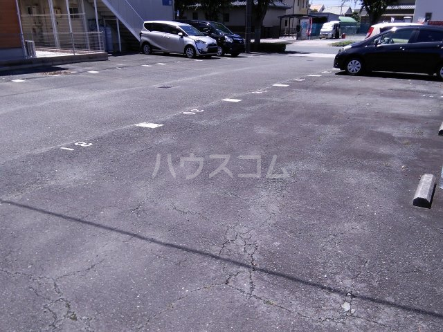 サンコーポ山田 B棟 105号室の駐車場