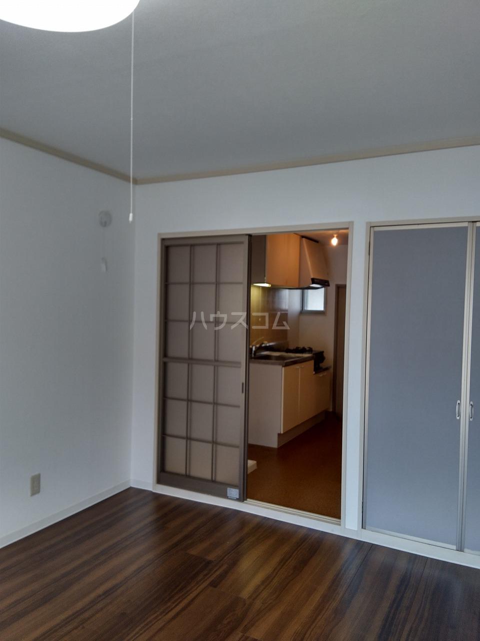 サンコーポ山田 B棟 105号室のリビング