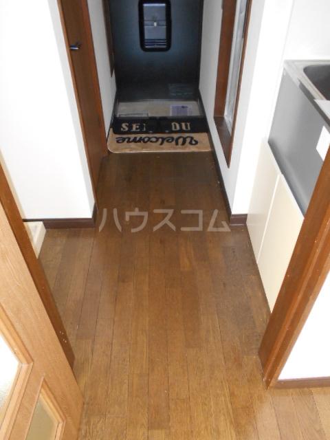 パステルクルール 202号室の玄関