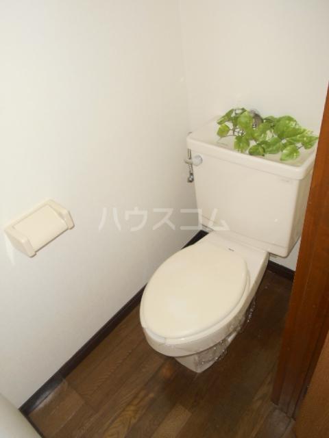 パステルクルール 202号室のトイレ