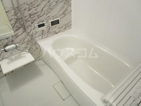 コンフォール西小鷹野Ⅱ 103号室の風呂