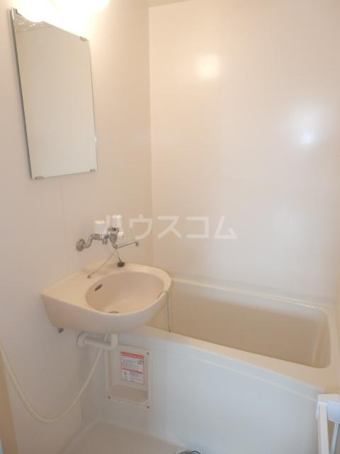 アーバン九品仏 402号室の風呂