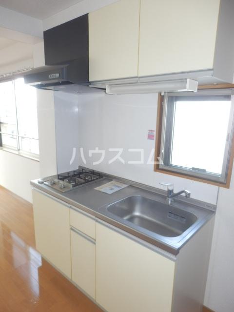 アーバン九品仏 402号室のキッチン