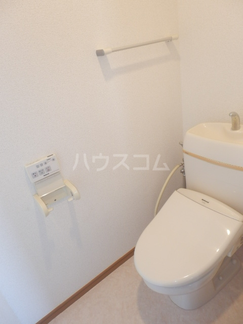 アーバン九品仏 402号室のトイレ