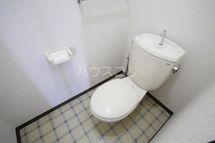 メゾンクレブラン・ドゥズィエム 202号室のトイレ