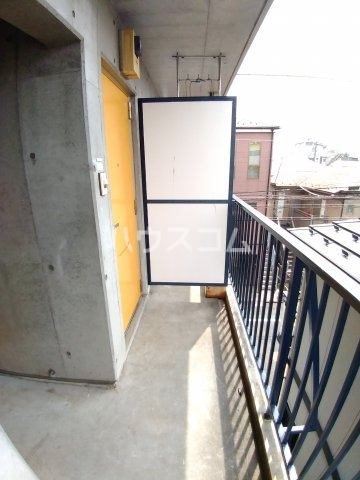 アーバンハイツ 301号室のバルコニー