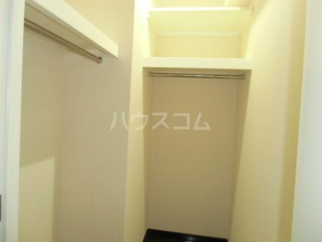 レジディア三軒茶屋Ⅱ 102号室の収納