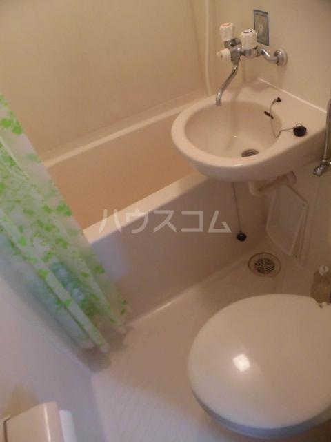 メゾンマークワン 402号室の風呂