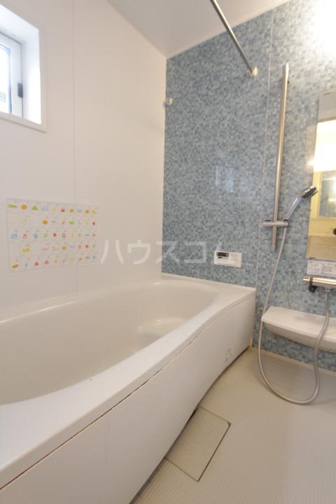マクナーレ 102号室の風呂