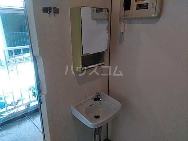 太田マンション 102号室の洗面所