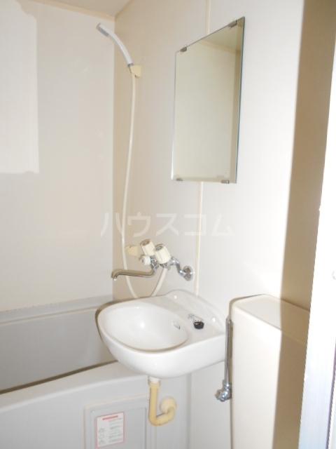 坂西荘 201号室の洗面所