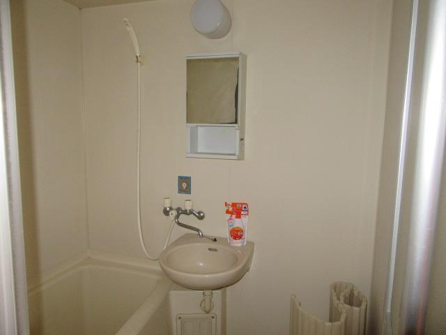 サンシティマミーナ 105号室の洗面所