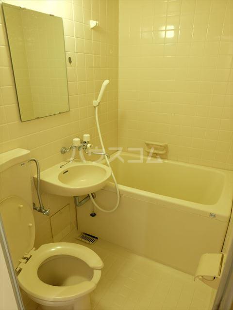 メゾン・ド・ブランネージュ 201号室の風呂