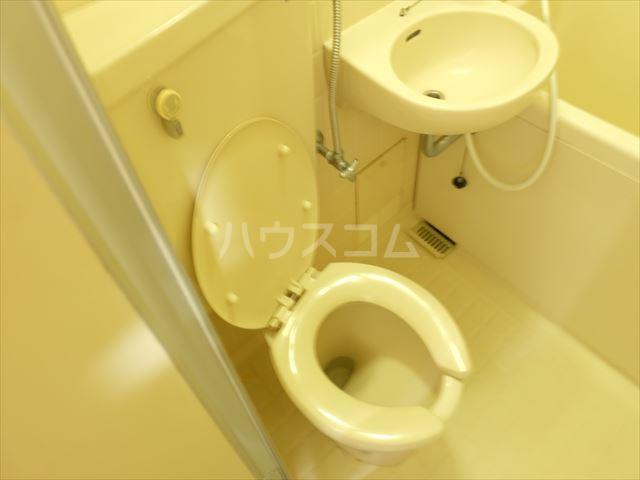 メゾン・ド・ブランネージュ 201号室のトイレ