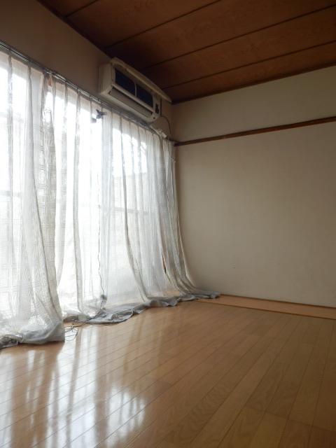 杉田マンション 00102号室のリビング