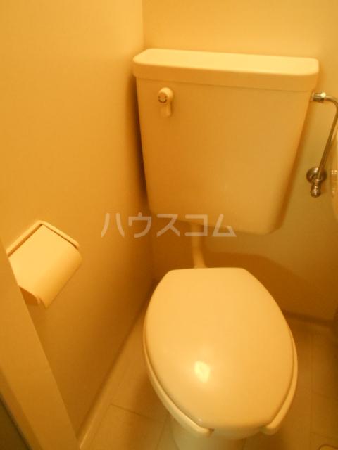 コートダジュール B-103号室のトイレ
