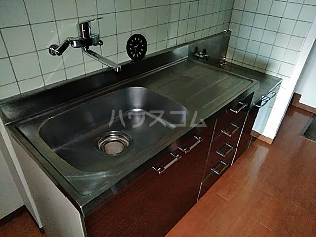 テクトピア秦野 305号室のキッチン