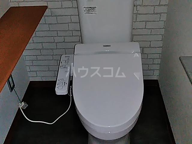 テクトピア秦野 305号室のトイレ