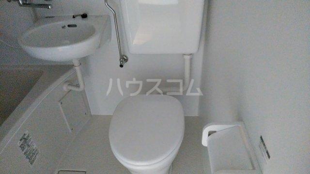 ブルーアップル 101号室のトイレ