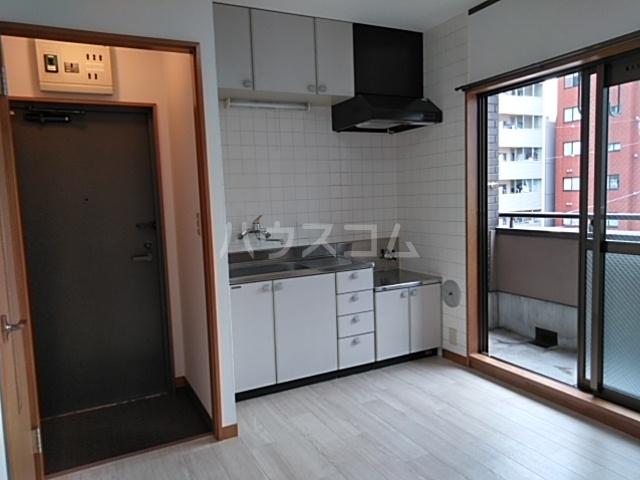 プラザ22 301号室のキッチン