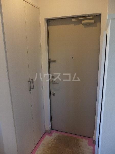 プチフール桜新町 102号室の玄関